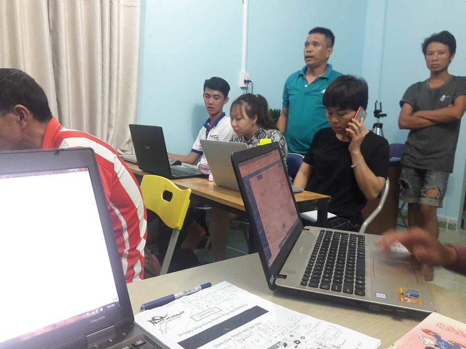 trung tâm đào tạo giảng dạy